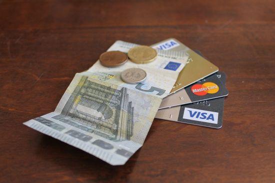 Hoe houd ik mijn creditcard uitgaven binnen de perken?