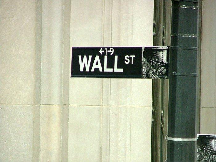 Meeste beleggers handelen zelf
